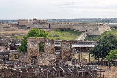 Castro Marim Castle Inside 02.jpg