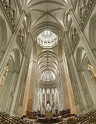 Cathedrale de Coutances bordercropped.jpg