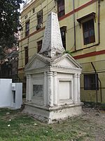 Charles Watson Tomb - St John's Churchyard - Kolkata 2011-12-18 0247.JPG
