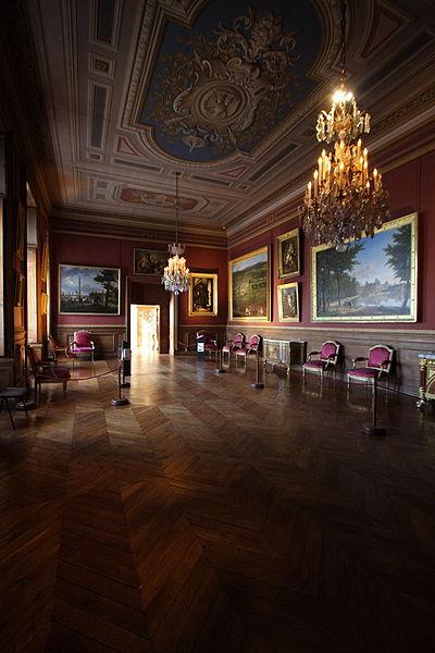 Fichier:Chateau de Fontainebleau FRA 003.JPG