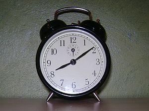 English: Alarm clock Polski: Budzik