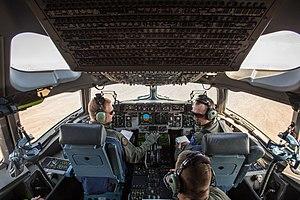 Boeing C-17 Globemaster III - C-17 Globemaster III cockpit
