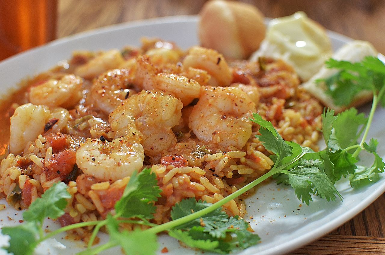 Mauritian cuisine - shrimps with spiced rice and coriander
