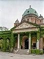 Crkva Krista Kralja na Mirogoju u Zagrebu (js).jpg