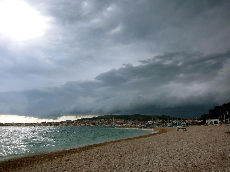 File:Croatian Beach Houses.JPG
