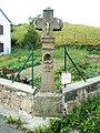 Croix de carrefour, hameau des Basse-Huttes.jpg