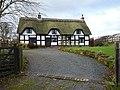 Cruck Cottage, Cherrington.jpg