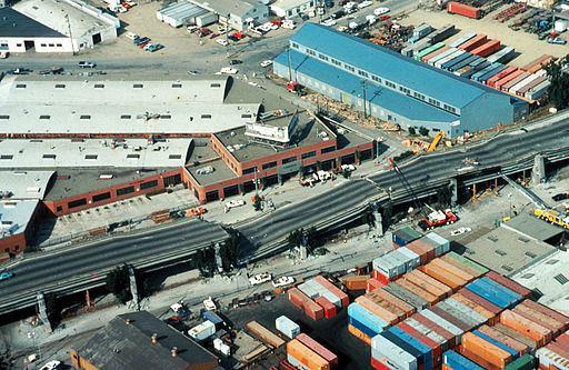 A collapsed highway in the Oakland area of San Francisco: large, unsupported sections are more vulnerable to collapse. (Loma Prieta earthquake, 1989.)