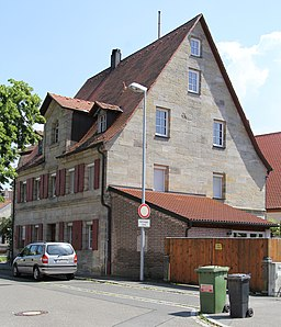 D-5-72-121-38 Brand Flieder 1 Wohnhaus