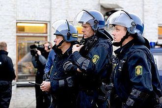 Rigspolitiet - Danish police officers in riot gear