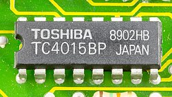 DOV-1X - Toshiba TC4015BP on printed circuit board-9788.jpg