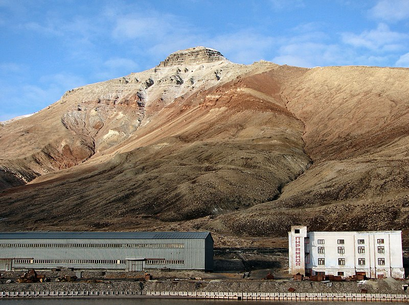 The port of Pyramiden