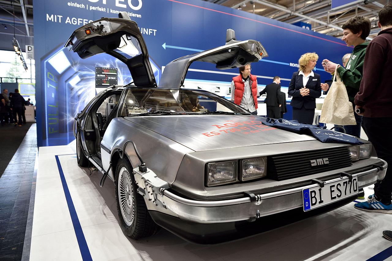 File:DeLorean DMC-12 - Back to the Future – CeBIT 2016 03.jpg ...