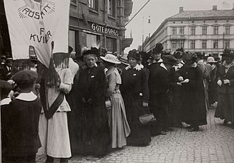 1918 in Sweden - Frigga Carlberg and others demonstrating for women's suffrage in Gothenburg, June 1918.