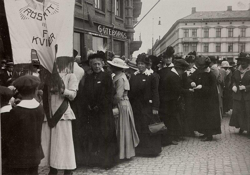 Demonstrationst%C3%A5g f%C3%B6r kvinnor%C3%B6str%C3%A4tten, G%C3%B6teborg - Nordiska Museet - NMA.0032617