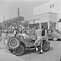 Demonstrerende gedemobiliseerde militairen in 1949 voor het gebouw van de knesse, Bestanddeelnr 255-1326.jpg