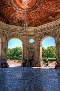 Diana-Tempel im Hofgarten.jpg