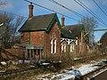 Dinting Station - abandoned platform 5090.JPG
