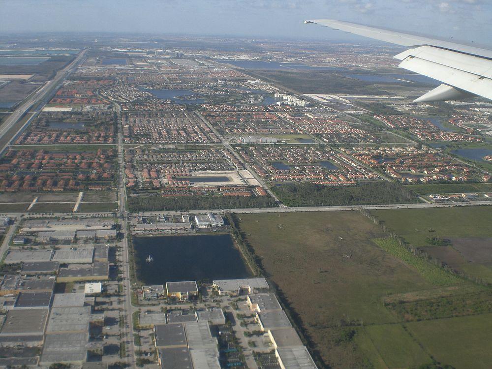The population density of Doral in Florida is 1533.03 people per square kilometer (3970.36 / sq mi)