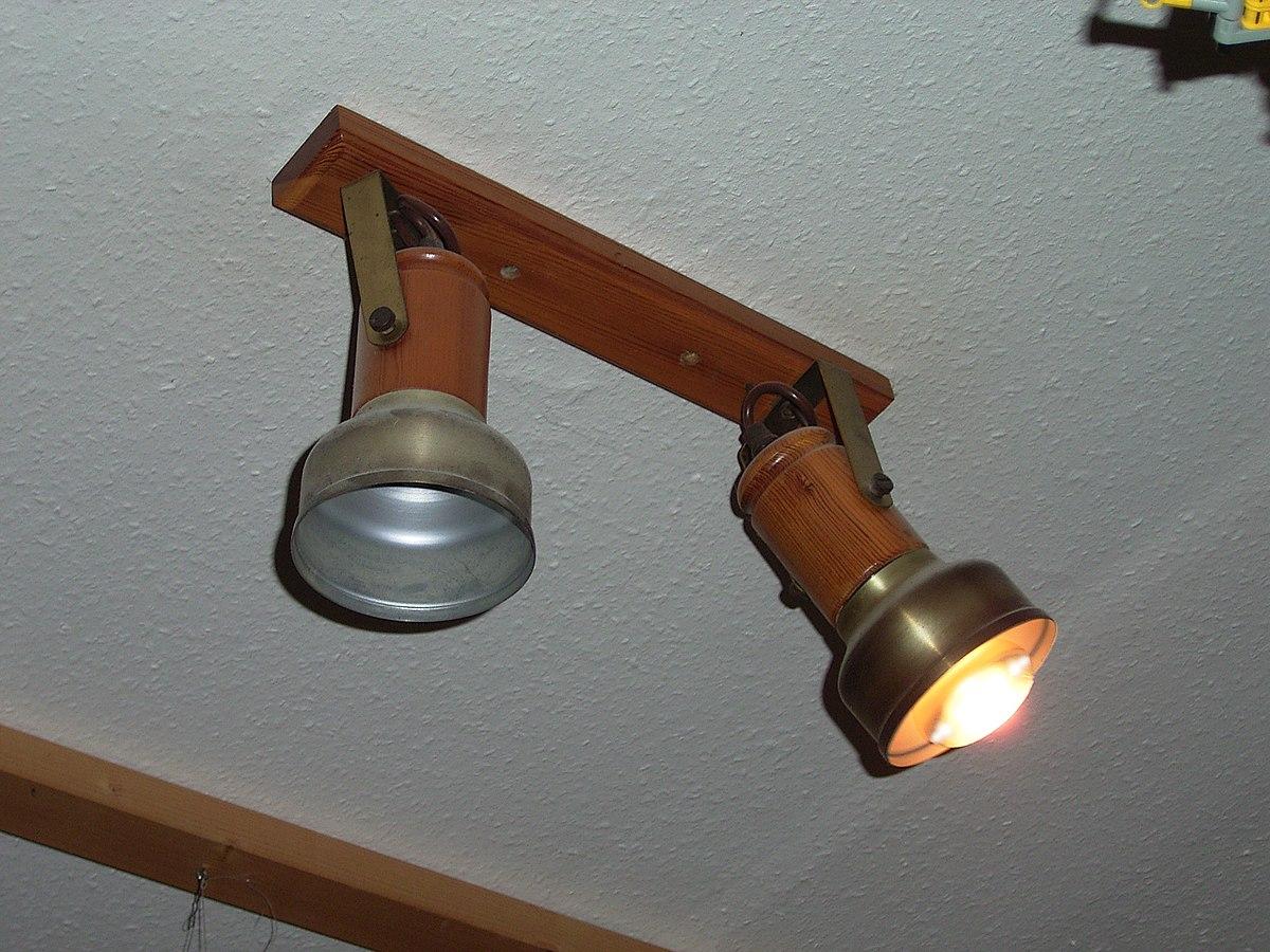 Eclairage Plafond A La Francaise plafonnier — wiktionnaire