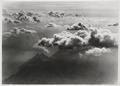 ETH-BIB-Wolken über Vierwaldstättersee-LBS H1-016414-AL.tif