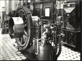 ETH-BIB-Zürich, ETH Zürich, Altes Maschinenlaboratorium, Maschinensaal, Kalorische Abteilung, P. S.-Gasmotor von Escher Wyss & Cie., Vorderansicht-Ans 03768-015.tif