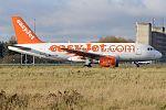 EasyJet, G-EZMK, Airbus A319-111 (28178509220) (2).jpg
