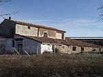 Edificio de mando del aeródromo de Barracas 02.JPG