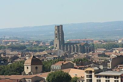 Eglise Saint-Vincent, depuis la cité médiévale.jpg