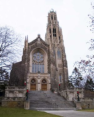 Cathedral Basilica of Christ the King (Hamilton) - Entrance on the South side to Cathedral of Christ the King