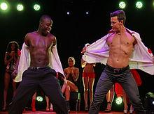 nackt mannlichen stripper auf der buhne