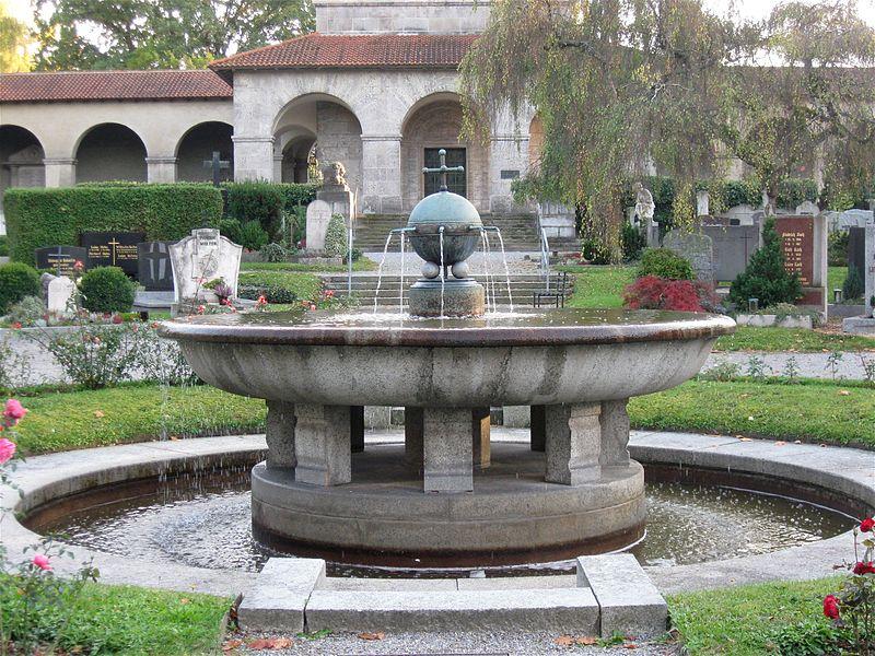 File Evangelischer Zentralfriedhof Brunnen Doernberg