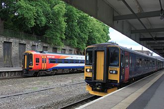 Exeter Central railway station - A South West Trains service from London (left) and Great Western Railway service to Exmouth (right)