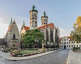 Exterior of Naumburg Cathedral 09.jpg