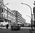 Fő utca, balra a Széchenyi tér sarkán álló Dorottya Hotel. Fortepan 21007.jpg