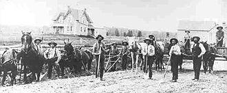 Nepean Museum - Image: Fallowfield Road Gang 1880
