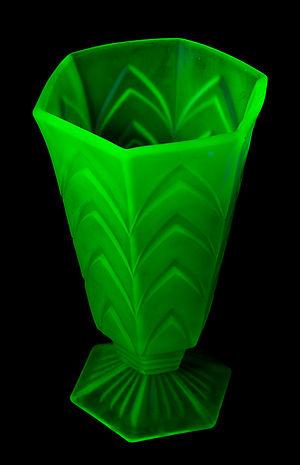 Depression glass - Fluorescent Uranium Depression Glass