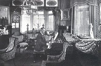 Franz Lehár - Lehár in his apartment in Vienna (1918)