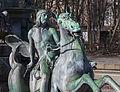 Fuente de Neptuno, Núremberg, Alemania, 2013-03-16, DD 03.JPG