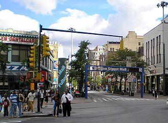 Fulton Street (Brooklyn) - Fulton Mall in 2006