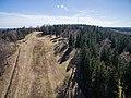 Gaiziņkalna slēpošanas trase vasarā-skats no augšas - panoramio.jpg