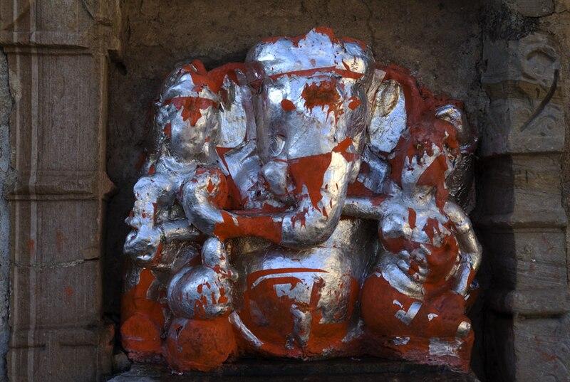 File:Ganesh staue at Chittorgarh Fort, Rajasthan_fa_rszd.jpg