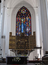 Gdańsk, Church of St. Mary, altar with stained-glass window.JPG