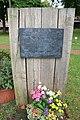 Gedenkstätte und Mahnmal für die Opfer des Nationalsozialismus an der KRH Psychiatrie in Wunstorf.jpg