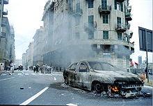 Coche incendiado entre Via Montevideo y Tolemaide.