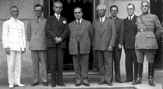 Getúlio Vargas - Vargas and his cabinet in 1931.