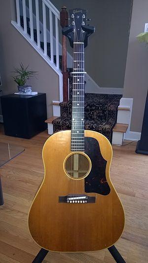 Gibson J-45 - Gibson J-50