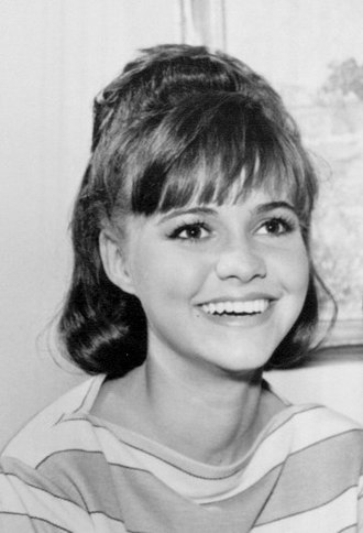 Sally Field - Image: Gidget main cast 1966 (cropped)