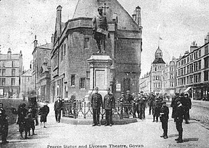 Govan - Pearce Statue and Lyceum Theatre, 1904.