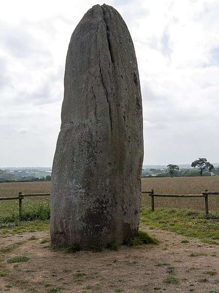 Le plus haut menhir de l'Anjou, situé sur la commune de Saint Macaire en Mauges (49) en France. Hauteur 6,20 mètres hors du sol.      This building is classé au titre des Monuments Historiques. It is indexed in the Base Mérimée, a database of architectural heritage maintained by the French Ministry of Culture, under the reference PA00109274.    বাংলা | brezhoneg | català | Deutsch | Ελληνικά | English | Esperanto | español | euskara | suomi | français | magyar | italiano | 日本語 | македонски | Nederlands | português | português do Brasil | română | русский | sicilianu | svenska | українська | +/−